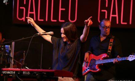 Guadi Galego cerró la gira de »O Mundo Está Parado» en la sala Galileo