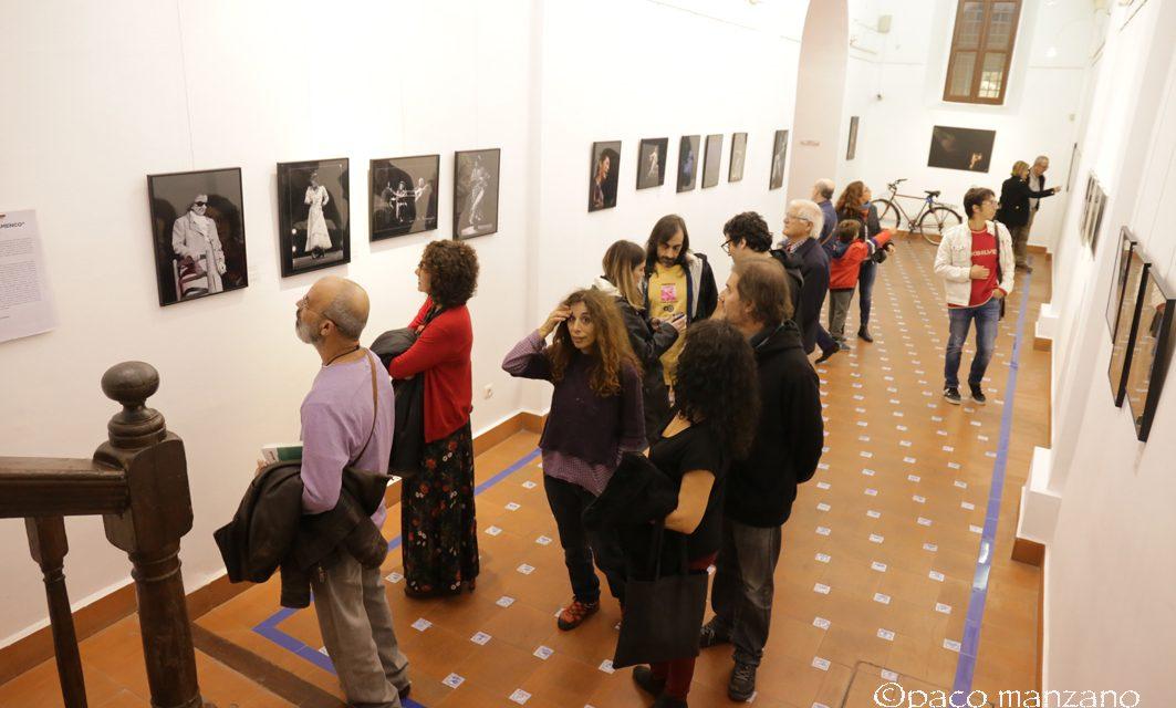"""MOMENTS inaugura en el Ateneo de Málaga """"Damas del Flamenco"""" y """"Don Gregorio"""" (Chiquito de la Calzada)."""
