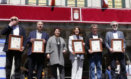 Nuevo Mester de Juglaría nombrados hijos predilectos de Segovia.