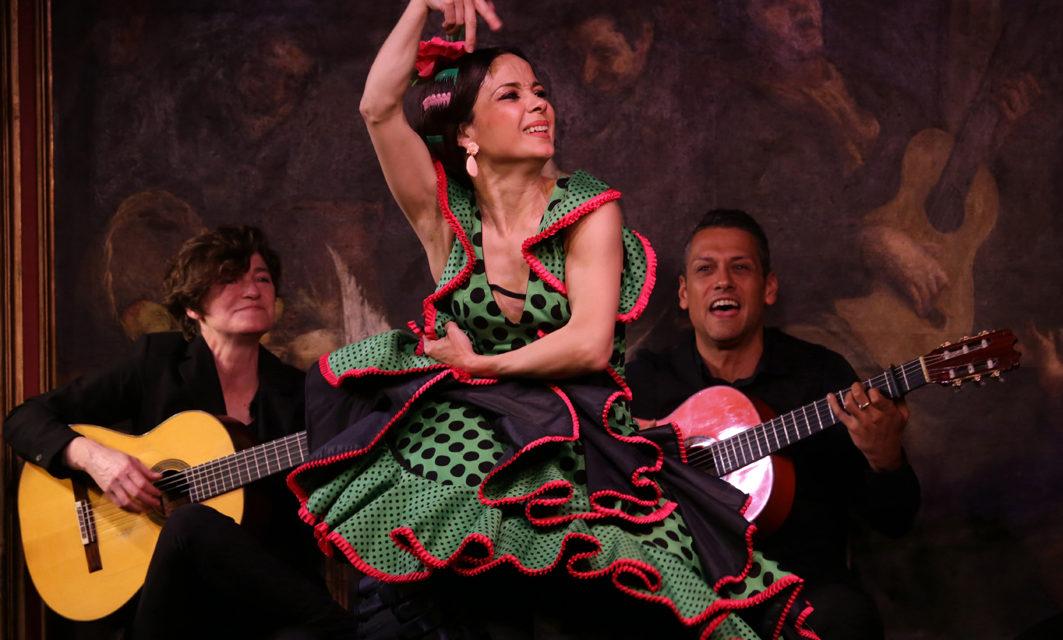 Olga Pericet, Manuel Liñán y Marco Flores  en el Corral de la Morería.