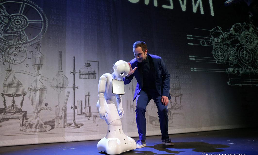 """Jorge Blass presenta """"Invención"""" en el Teatro Marquina de Madrid"""